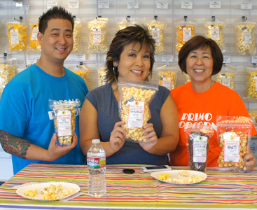 Hawaii: IRL – Melissa Chang Visits with Primo Popcorn to Sample Some of Their Unique Flavors (@melissa808)