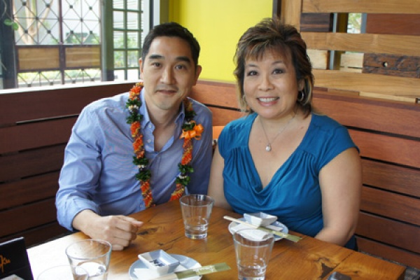 Hawaii: In Real Life – Melissa Chang Sits with Kevin Aoki of Doraku Sushi (@melissa808 @dorakusushi)